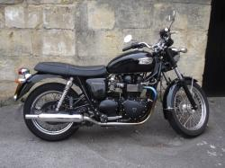 TRIUMPH SPEEDMASTER 900 black