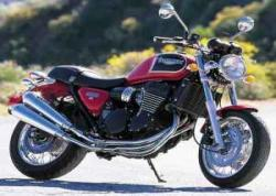 TRIUMPH THUNDERBIRD 900 red
