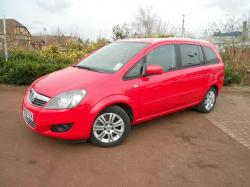 VAUXHALL ZAFIRA red