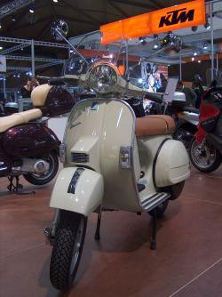 VESPA 125 brown