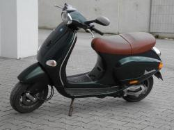 VESPA ET4 125 red