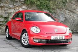 VOLKSWAGEN BEETLE 1.6 red