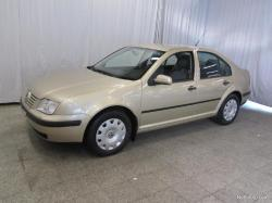 VOLKSWAGEN BORA 1.6 brown