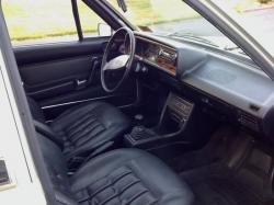 VOLKSWAGEN DASHER interior