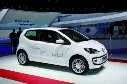 VOLKSWAGEN ECO-UP blue