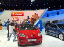 VOLKSWAGEN ECO-UP brown