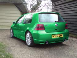 VOLKSWAGEN GOLF green