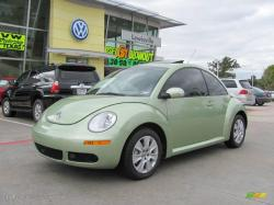 VOLKSWAGEN NEW BEETLE 2.5 green