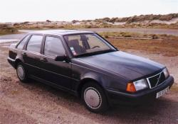 VOLVO 440 brown