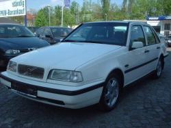 VOLVO 440 white