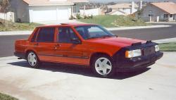 VOLVO 740 red