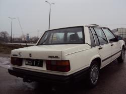 VOLVO 740 white