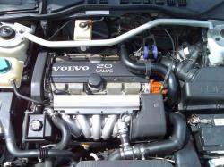 VOLVO 850 engine