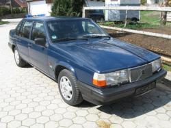 VOLVO 940 blue