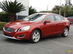 VOLVO S60 red