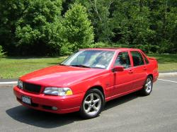 VOLVO S70 red
