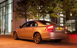 VOLVO S80 brown