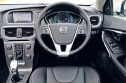 VOLVO V40 interior