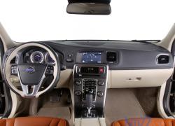 VOLVO V60 D3 interior