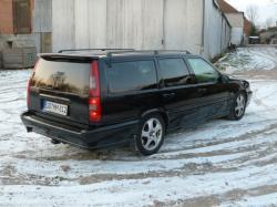 VOLVO V70 black