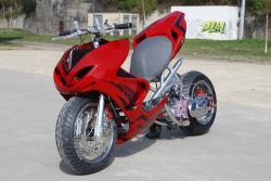 YAMAHA AEROX red