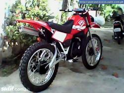 YAMAHA DT red