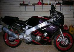 YAMAHA FZR 600 black