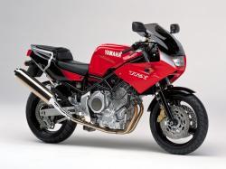 YAMAHA TRX 850 red
