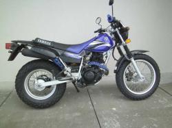 YAMAHA TW200 blue