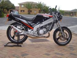YAMAHA TZ 125 engine