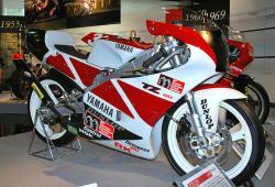 YAMAHA TZ 125 red
