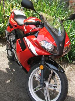 YAMAHA TZR 50 red