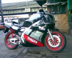 YAMAHA TZR250 engine