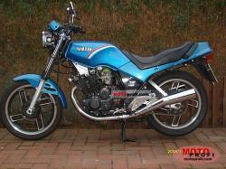 YAMAHA XS 400 engine