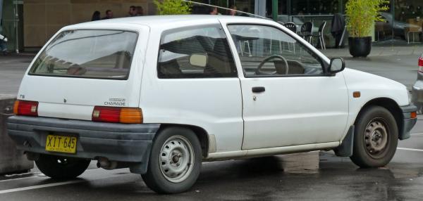 daihatsu charade (g100)